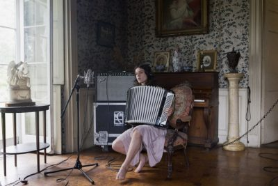 Ragnar Kjartansson. The Visitors, 2012. Nine-channel video projection, 64 minutes. Photo: Elísabet Davids. Courtesy of the artist, Luhring Augustine, New York, and i8 Gallery, Reykjavik
