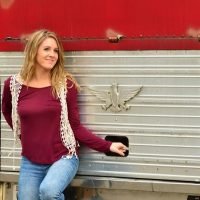 Things to do in Nashville | Live music with Hallie Long