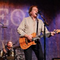 Denny Laine (from Paul McCartney & Wings/Moody Blues) with The Cryers, Gordon Kennedy & John Salaway