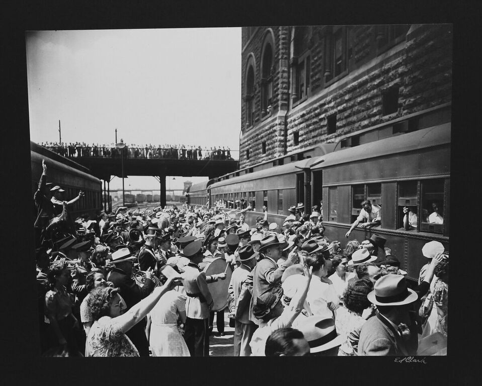 The Arts Company Nashville Soldiers Departing Union Station By Ed Clark Silver Gelatin Print