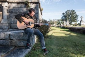 Music at the Frist: Singer-songwriter Ronny Criss and Friends